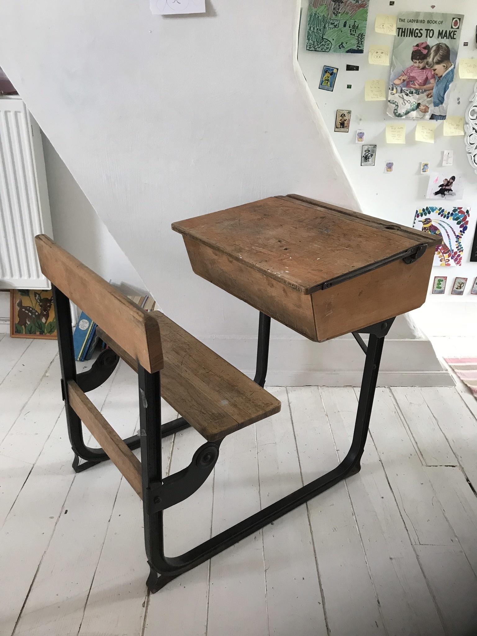 Old School Desk Vinterior