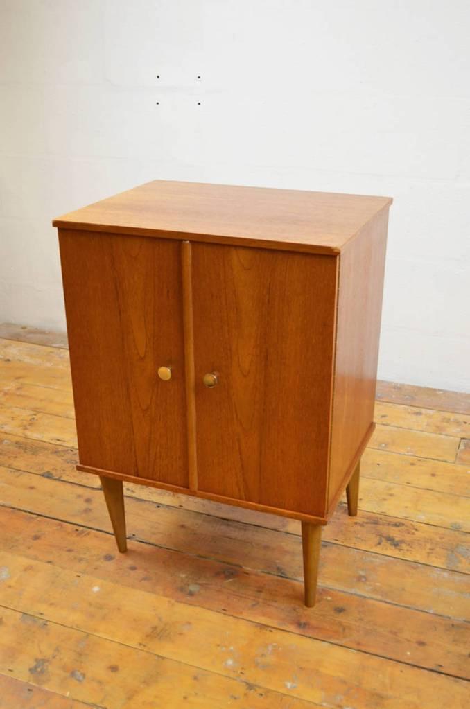 Arnold Record Cabinet Vinterior