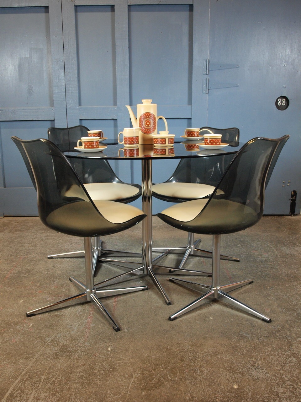 Image of: Mid Century Vintage 1960s 70s Round Glass And Chrome Dining Table And Four Tulip Swivel Chairs Heals Vinterior