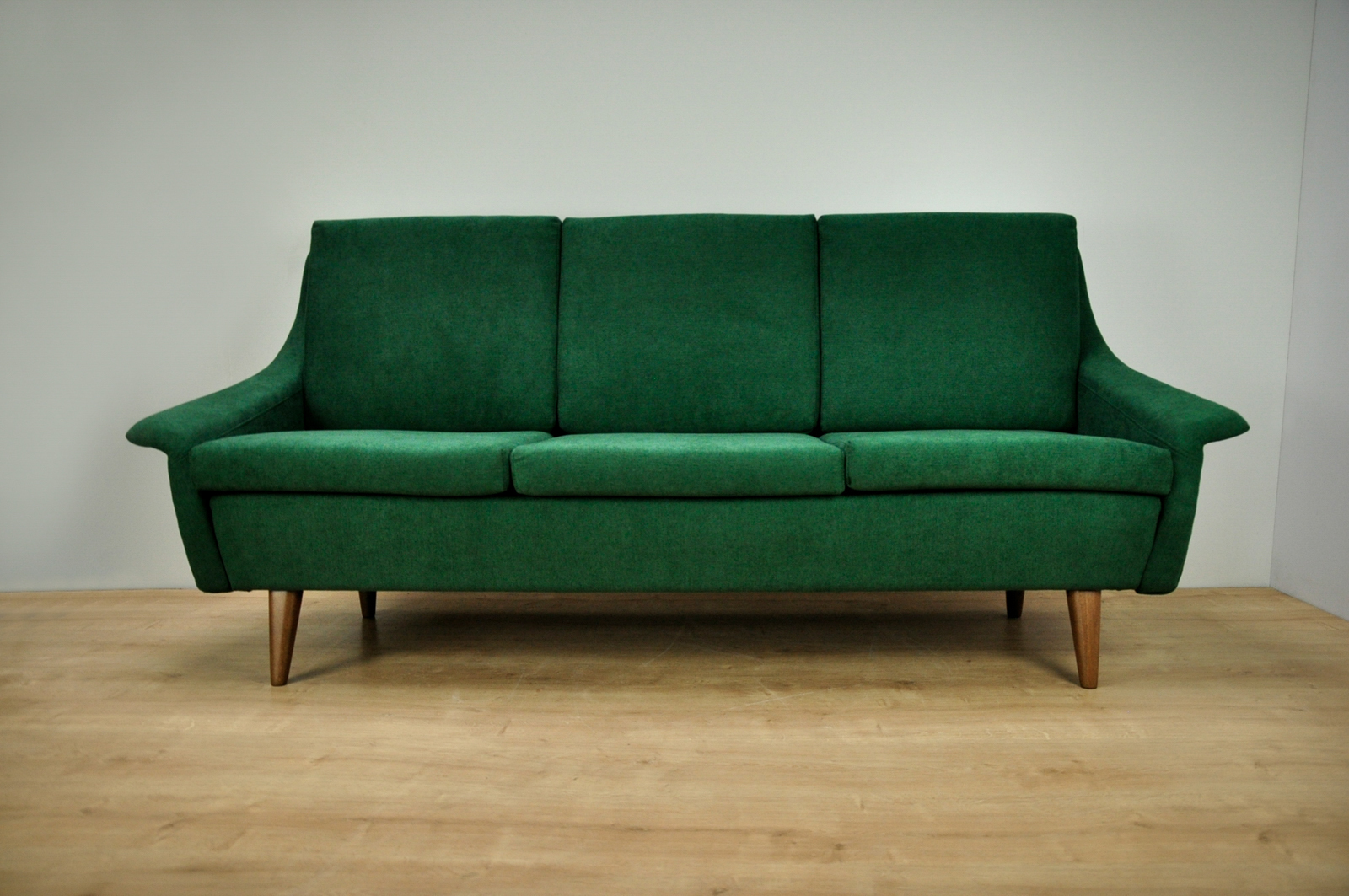 Groovy Vintage 3 Seater Sofa By Folke Ohlsson For Dux Free Delivery To London And Surrounding Cjindustries Chair Design For Home Cjindustriesco