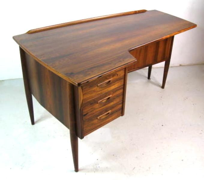 Lelangs Mobelfabrik Desk