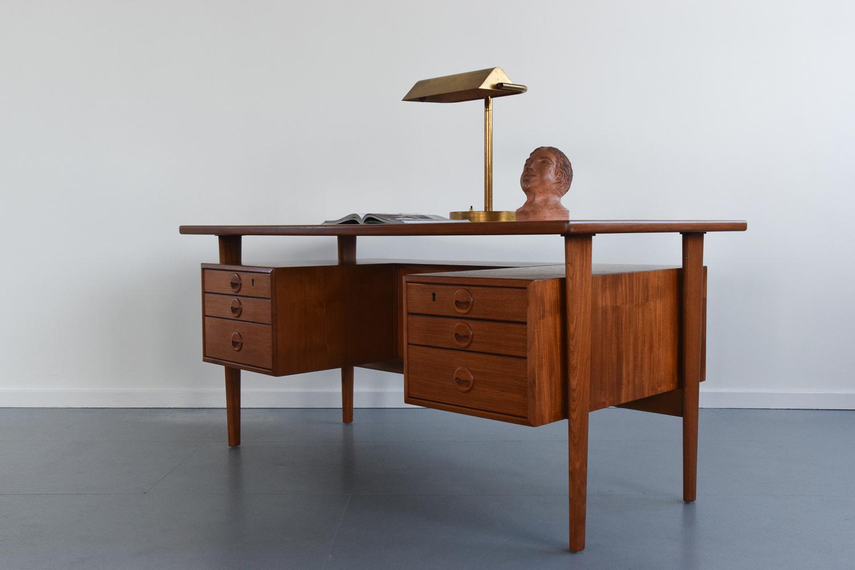 Image of: Vintage Mid Century Modern Danish Style Teak Desk With Floating Top Kai Kristiansen Vinterior