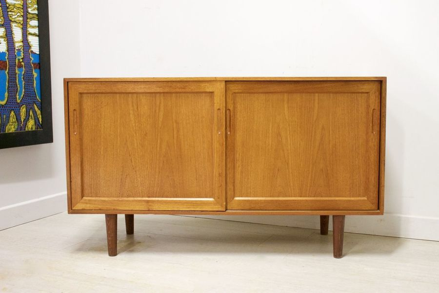 Mid Century Retro Danish Teak Compact Sideboard / Tv Stand