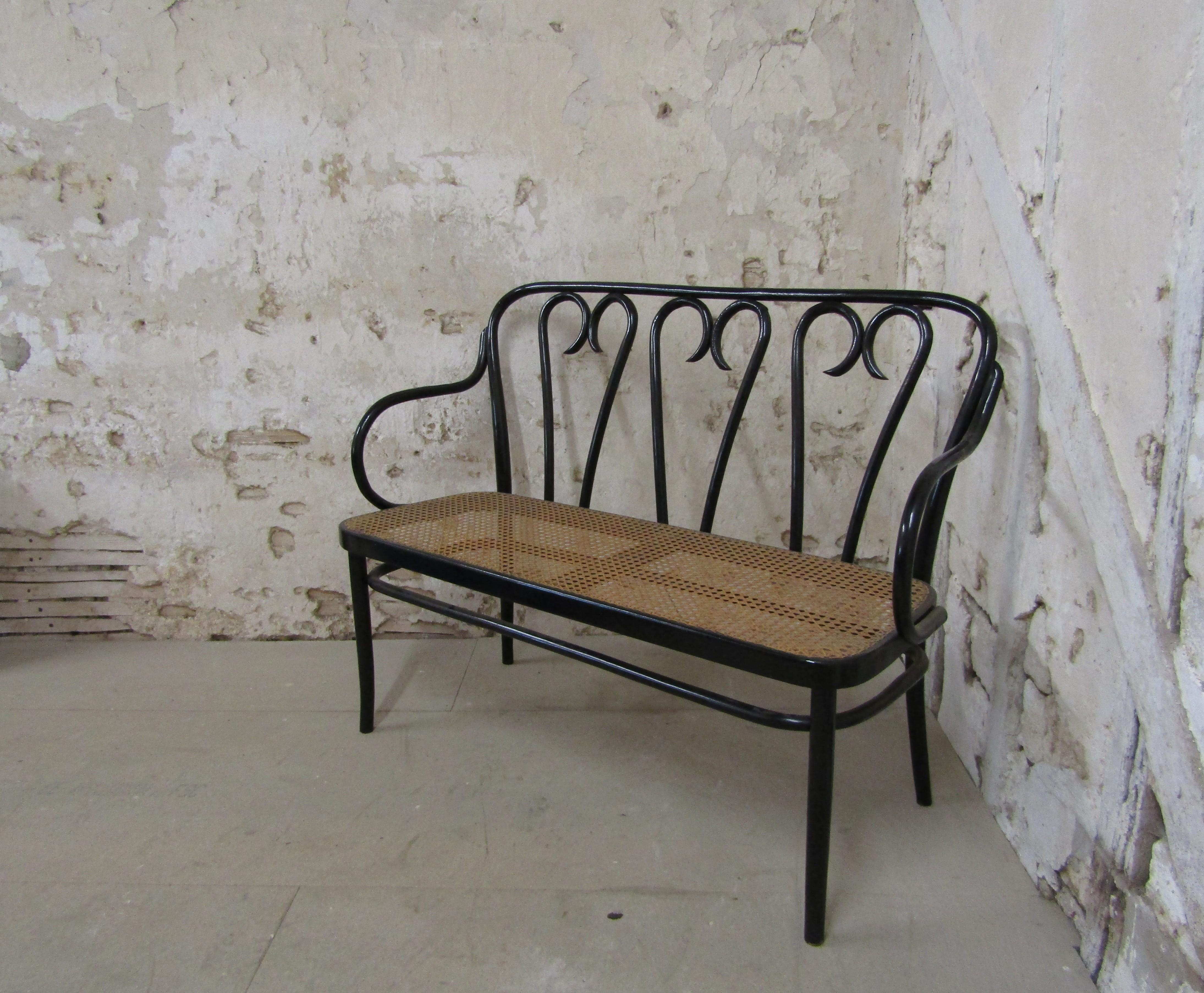 Amazing Thonet No 16 Bentwood Bench Settee Mid Century Spiritservingveterans Wood Chair Design Ideas Spiritservingveteransorg