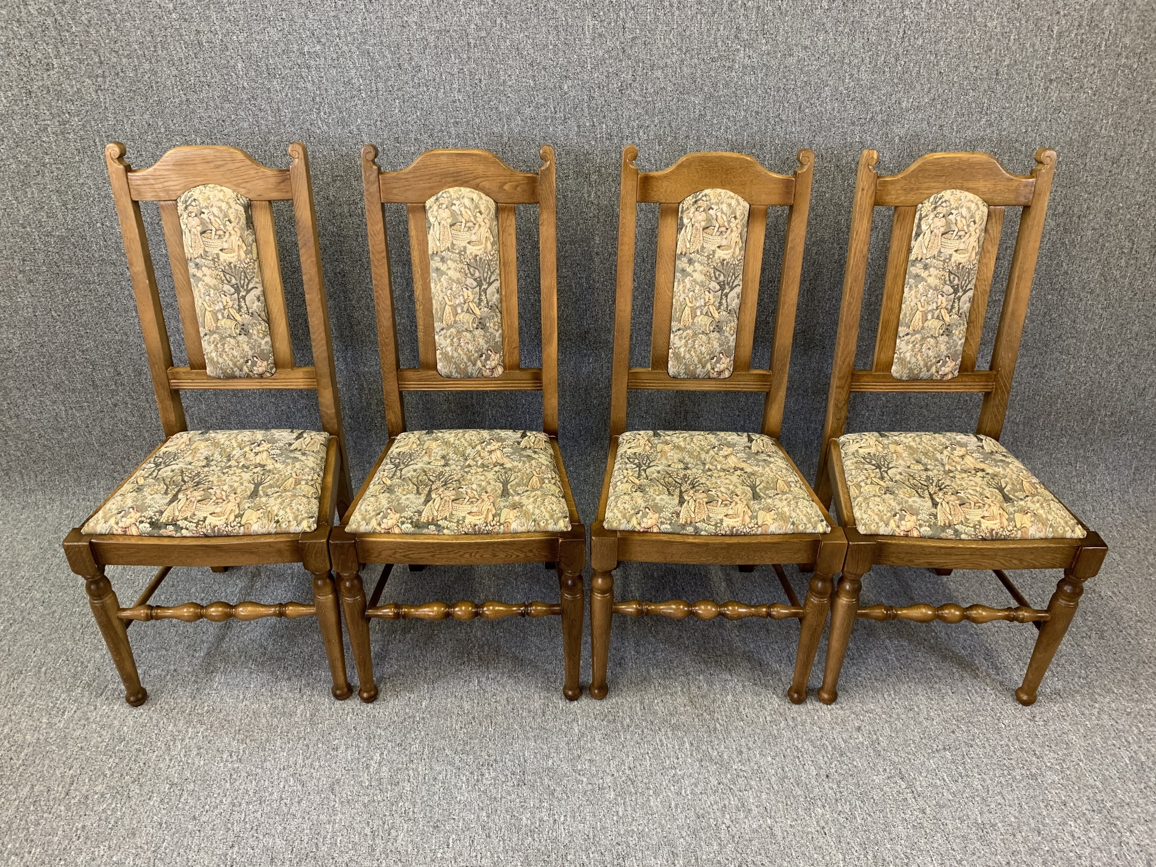 Old Charm Oak Dining Chairs Round 4 Kitchen Chairs Quality Niels O Moller Vinterior