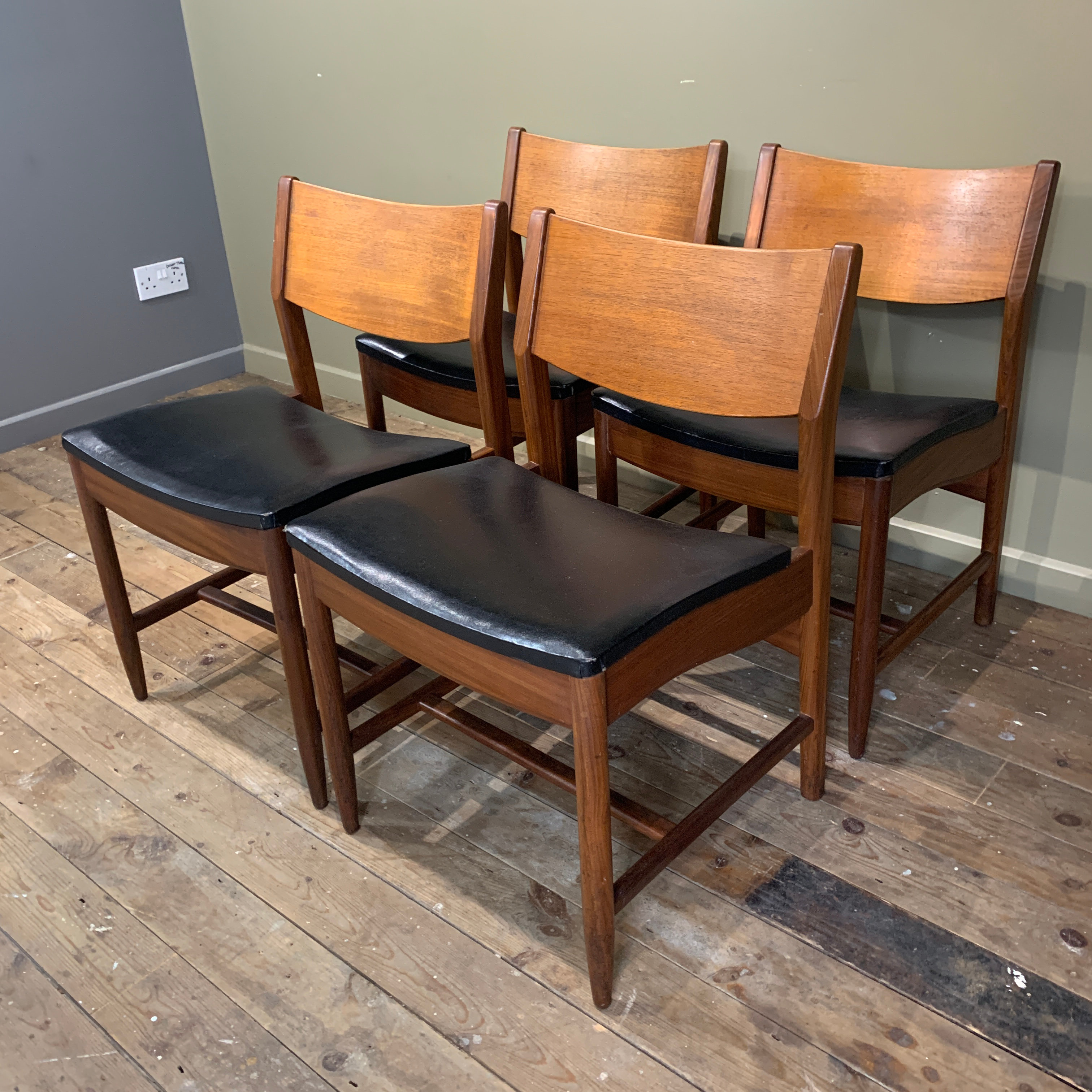 Magnificent Set Of 4 Teak Midcentury Dining Chairs Gmtry Best Dining Table And Chair Ideas Images Gmtryco