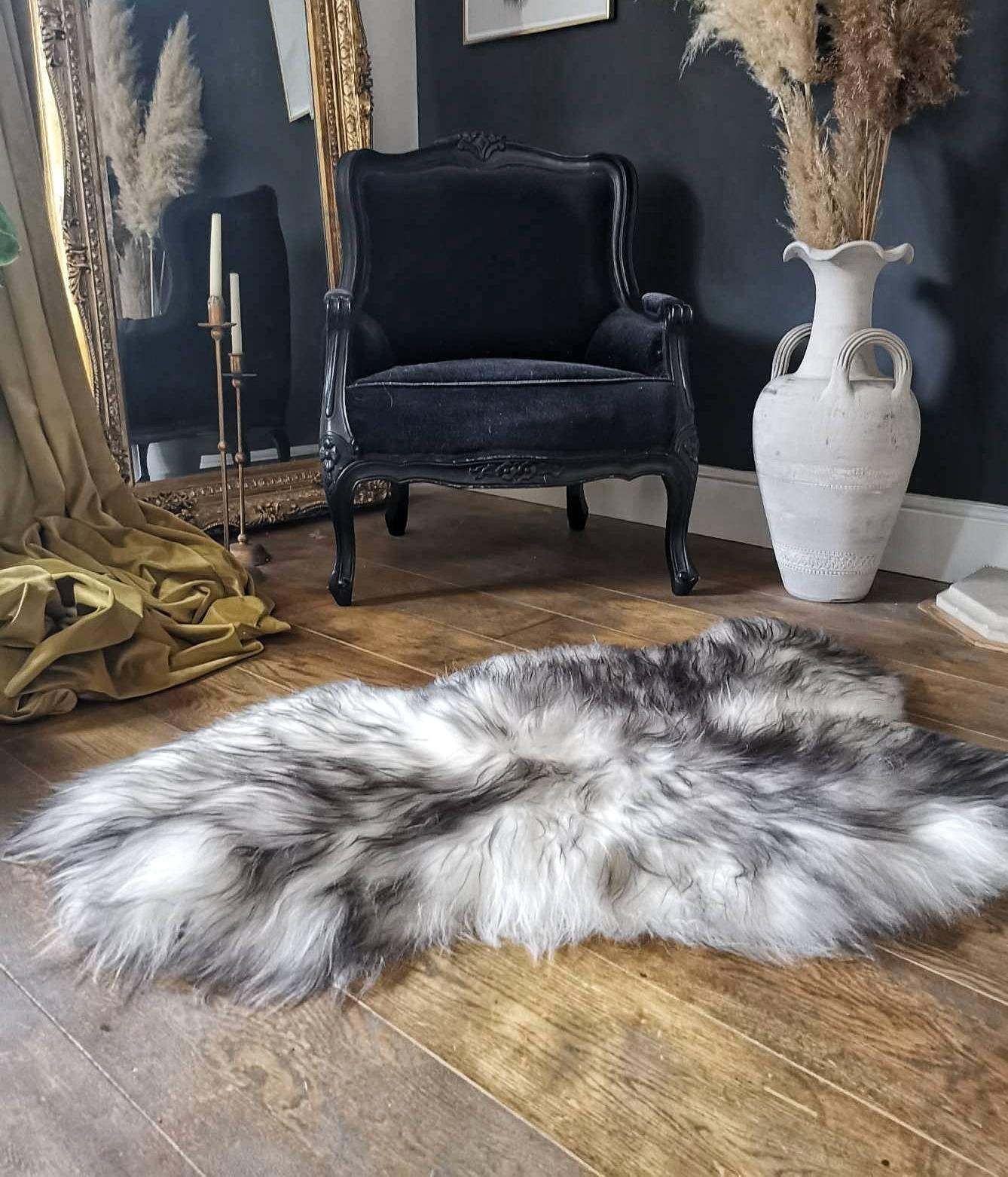 Icelandic Sheepskin Rug Black And White