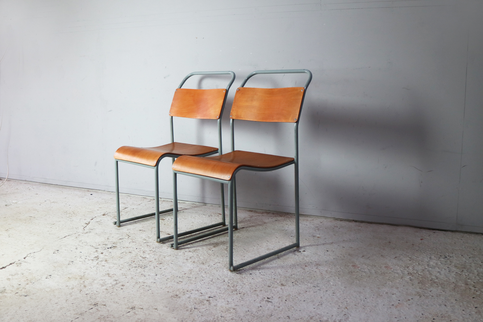 1960 S Mid Century Metal Frame Chairs By Du Al 6 Available Du