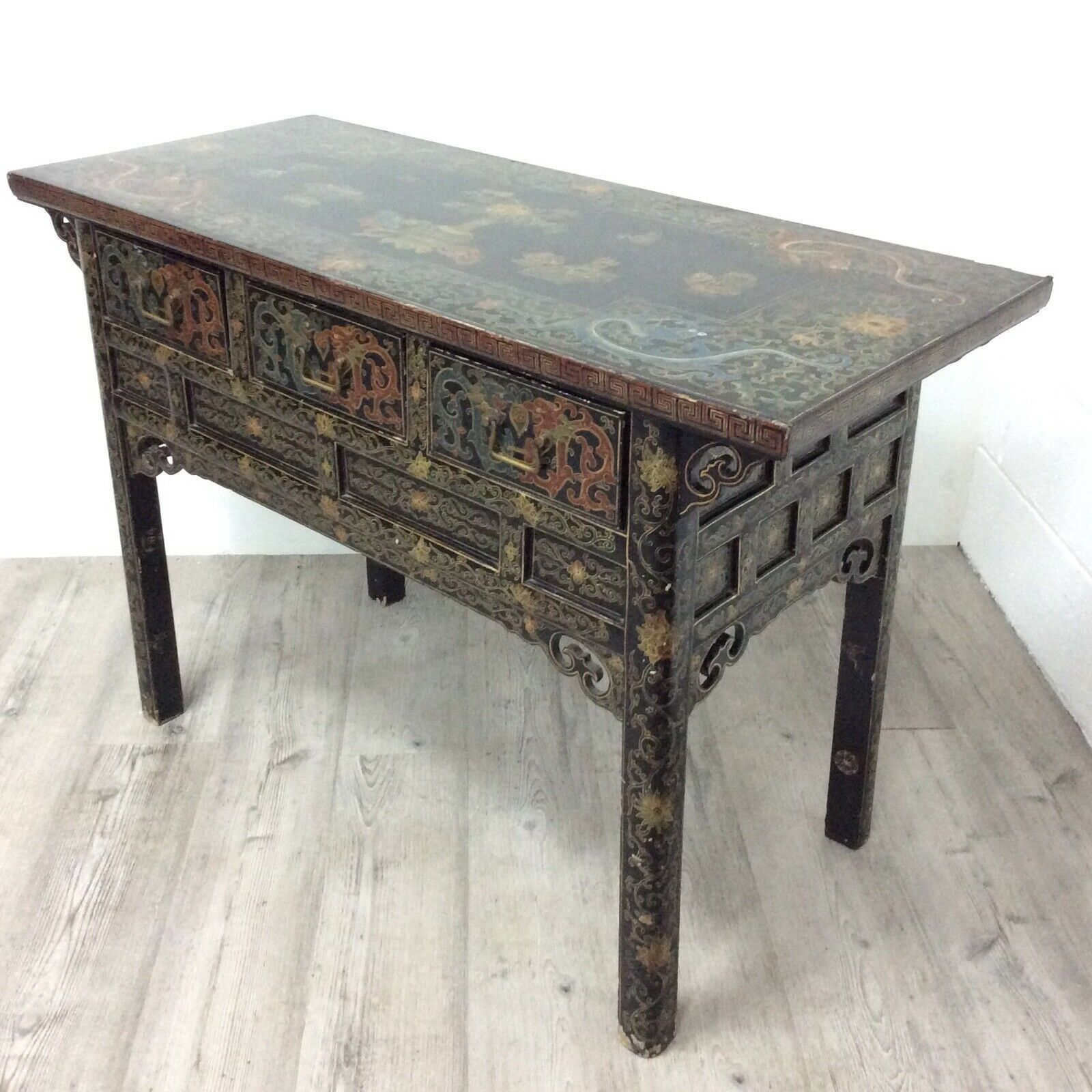 Side Table Chinees.Antique Chinese Side Table Black Lacquer Cabinet With Hand Painted Panels