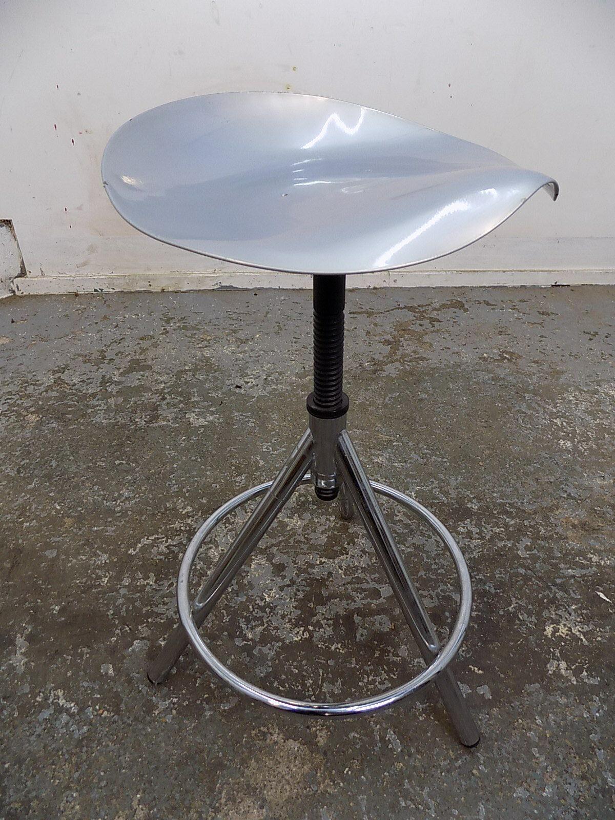 Miraculous Adjustable Metal Chrome Round Tractor Seat Bar Stool Stool Kitchen Stool Tri Pod Ibusinesslaw Wood Chair Design Ideas Ibusinesslaworg