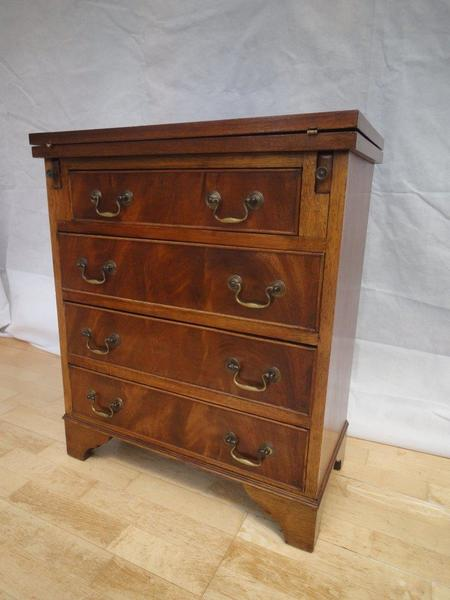 Antique Style Georgian Flamed Mahogany Four Drawer Bachelors Chest photo 1