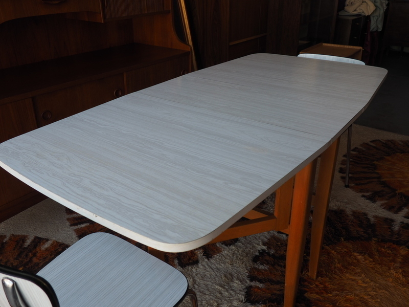 Vintage Retro White Formica Dining Kitchen Table 2 Chairs Vinterior