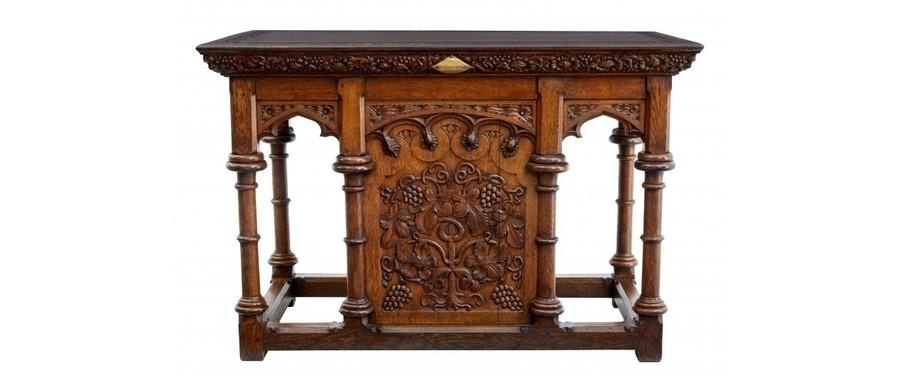 Early 20 Th Century Carved Oak Alter Table In The Gothic Taste photo 1