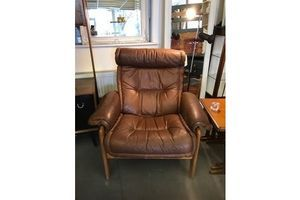 Thumb tan leather recliners pair available 94496454 8edd 47cd a3fc 68f852d68b57 0