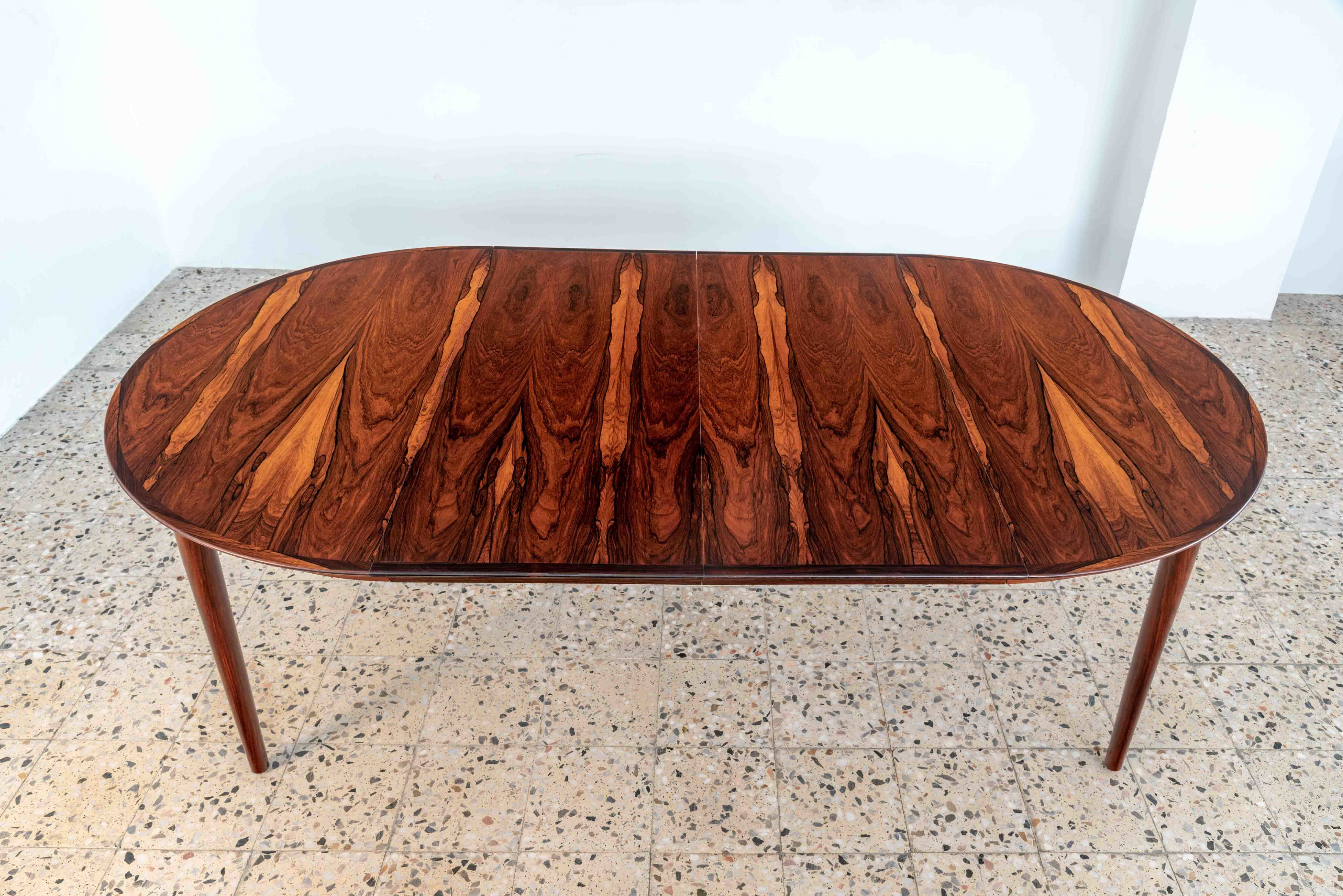 Model 204 Extendable Rosewood Dining Table By Arne Vodder For Sibast