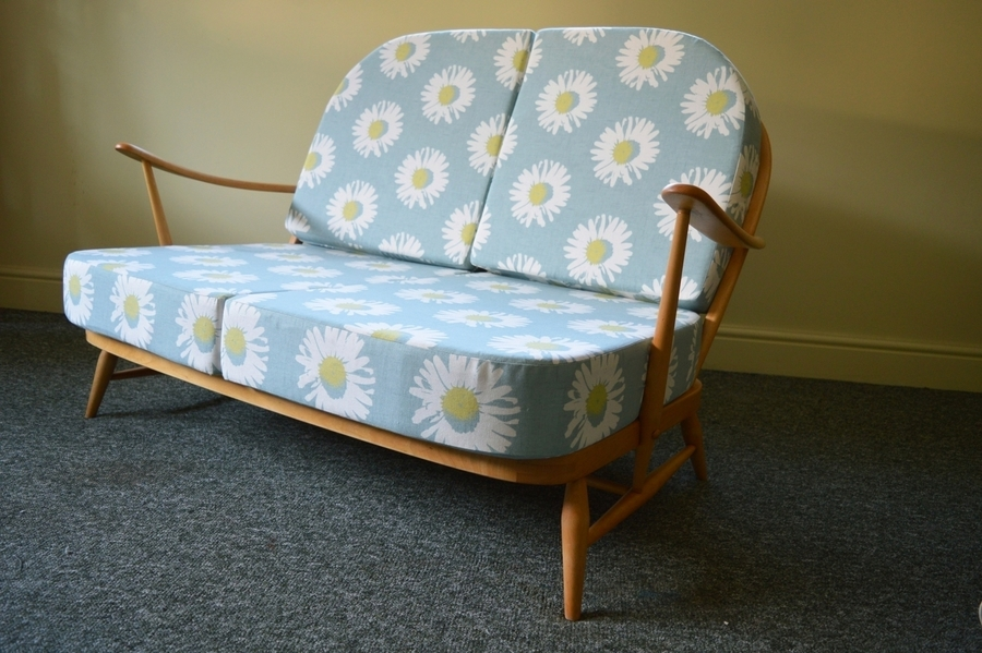 Vintage Ercol Windsor 203/2 Seater Sofa With Daisy Print Covers