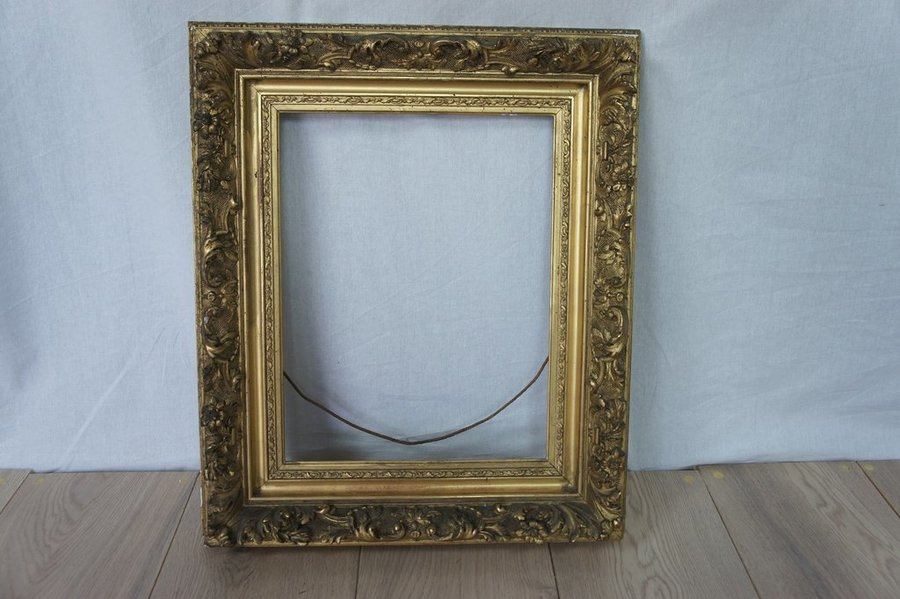 19th Century Rococo Style Picture Frame photo 1