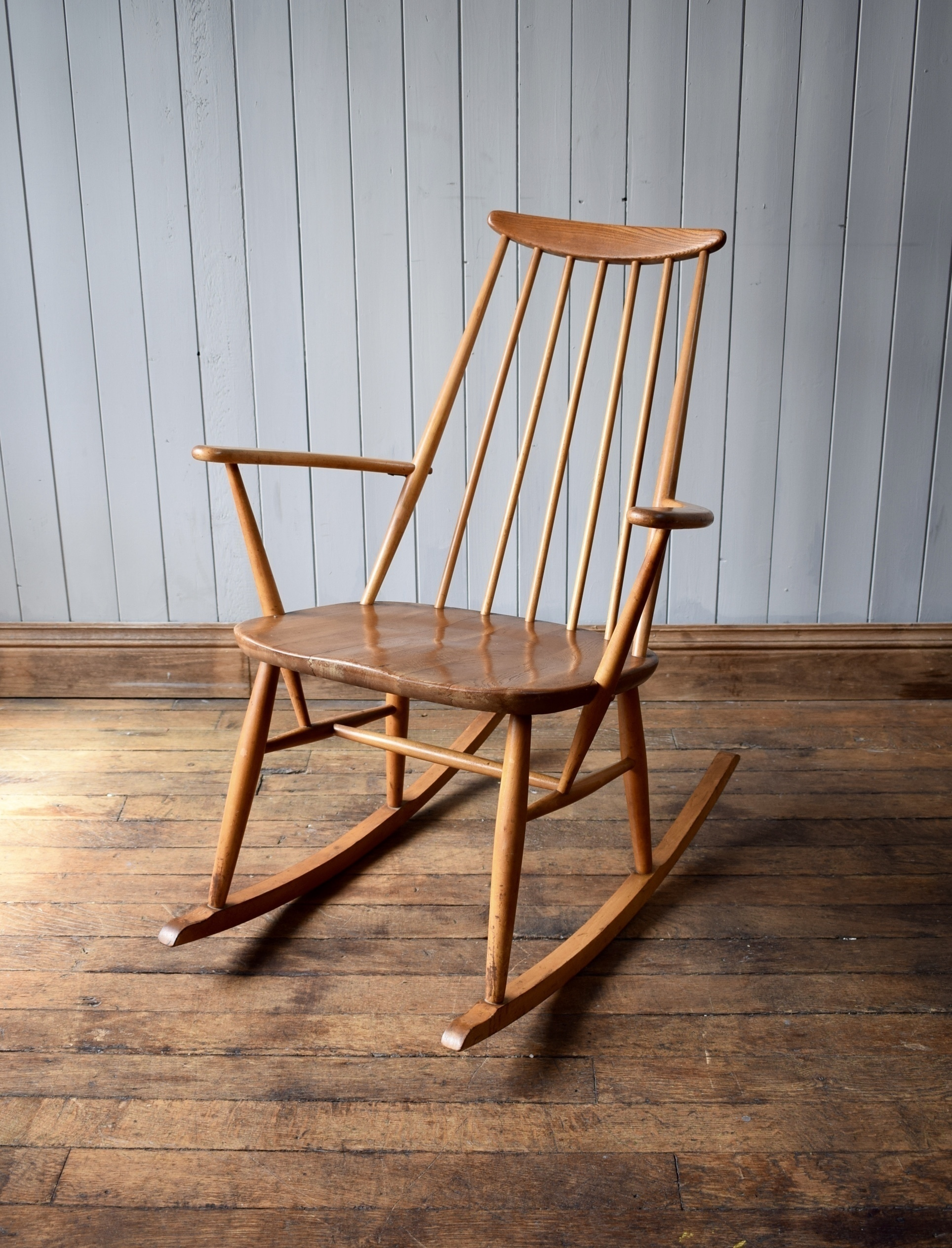 Admirable Intage 1960S Ercol Goldsmiths Fireside Rocking Chair Blonde Mid Century Inzonedesignstudio Interior Chair Design Inzonedesignstudiocom