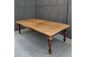 Thumb medium to massive heavy oak victorian dining table 0