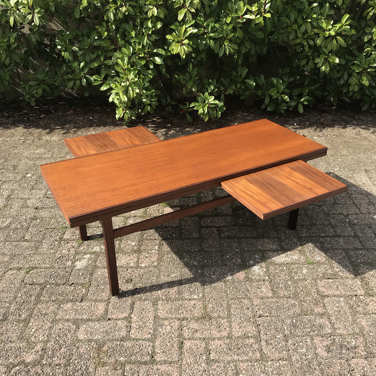 - 1960s Danish Teak Coffee Table With Pull Out Extension Vinterior