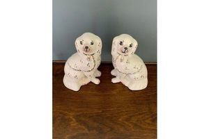 Thumb pair of staffordshire pottery beswick dogs 0