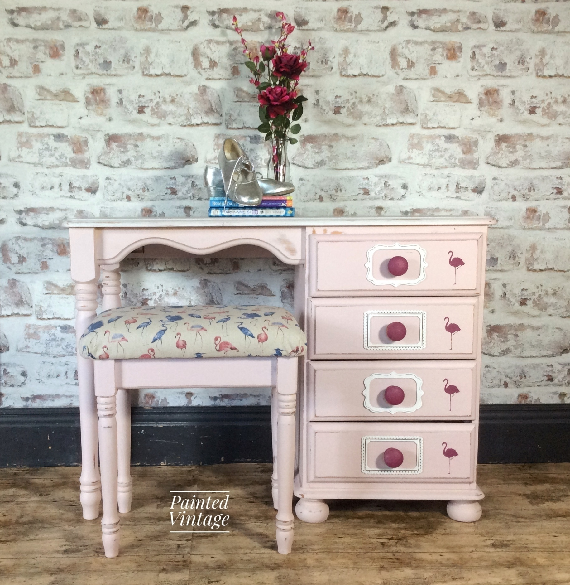 100% authentic 57841 1bfc9 Pretty Pine Flamingo Dressing Table And Stool