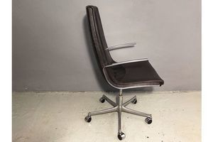 Thumb knoll international desk chair by bernd munzebrock 0
