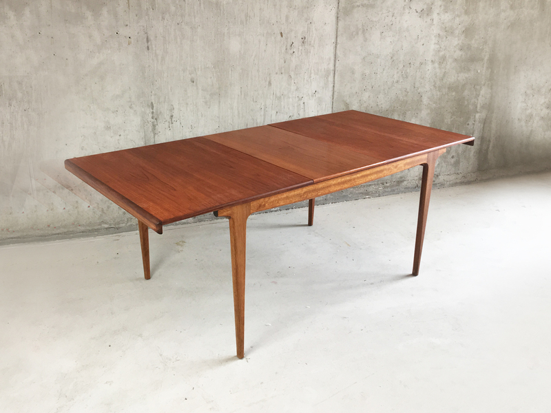 1960 70 S Danish Mid Century Modern Teak Extendable Dining Table Vinterior