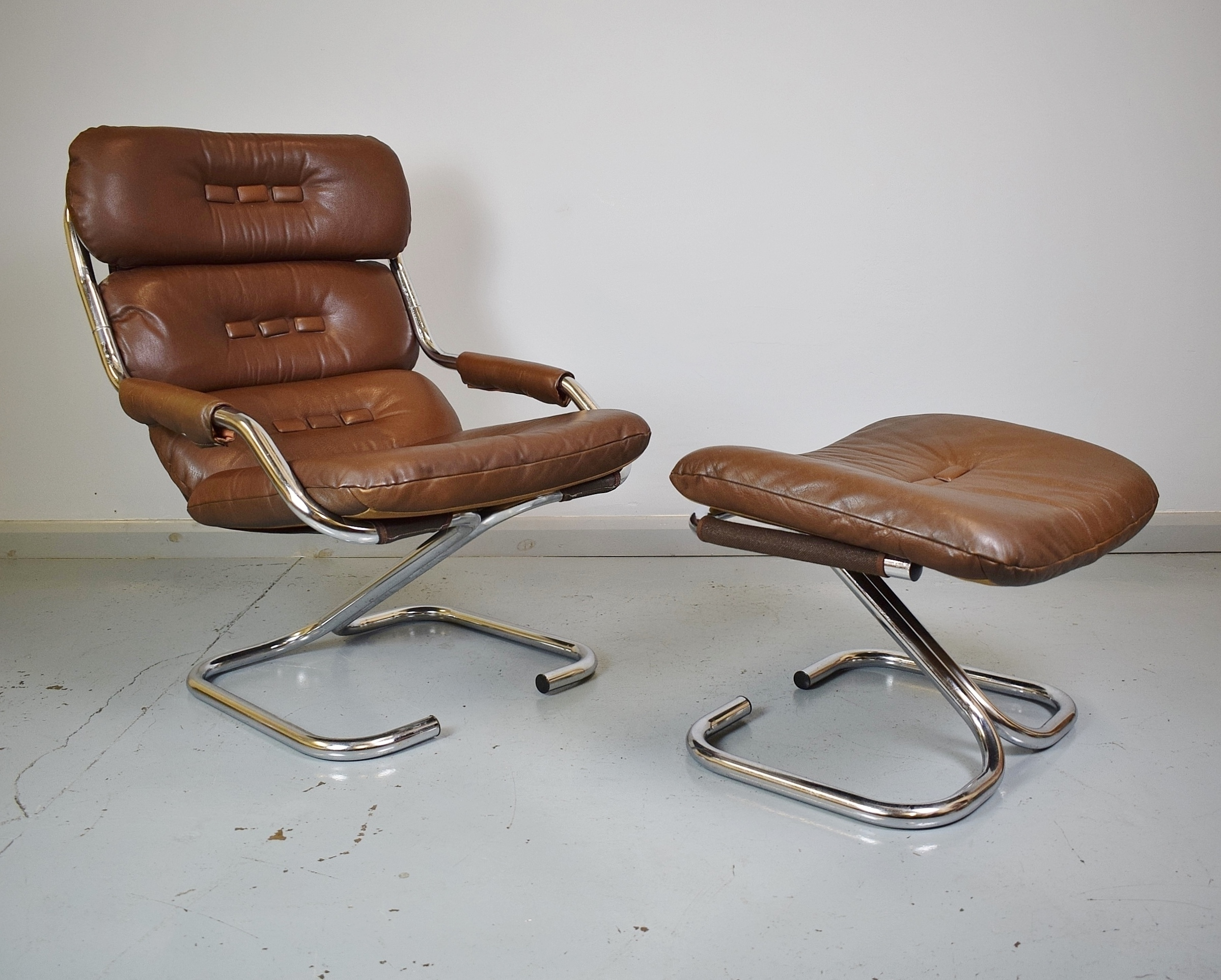 Mid Century Retro Danish Brown Leather Chrome Lounge Chair With Matching Stool Vinterior