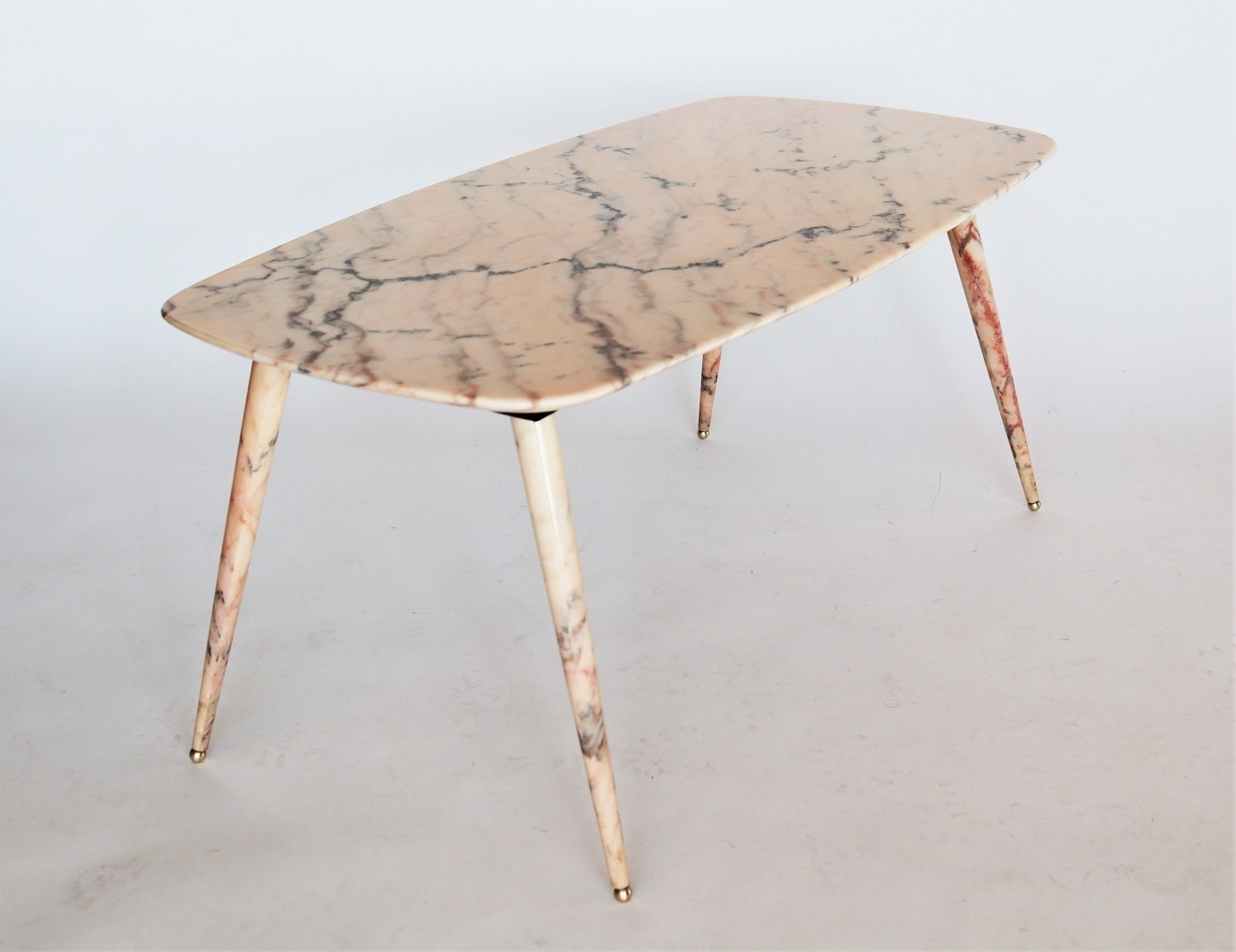 - Italian Midcentury Pink Marble Coffee Table With Brass Tips, 1950s