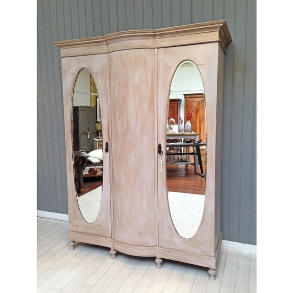 Triple Shabby Chic Wardrobe