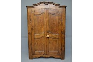 Thumb 18thc french walnut armoire 0