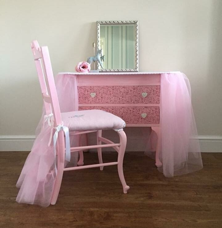 100% authentic 9e014 22a49 Dressing Table And Chair