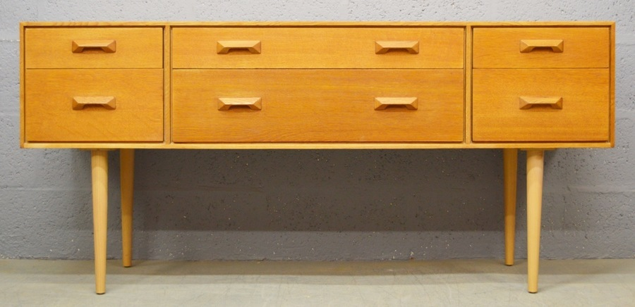 Mid Century Oak Chest Of Drawers By John And Sylvia Reid For Stag