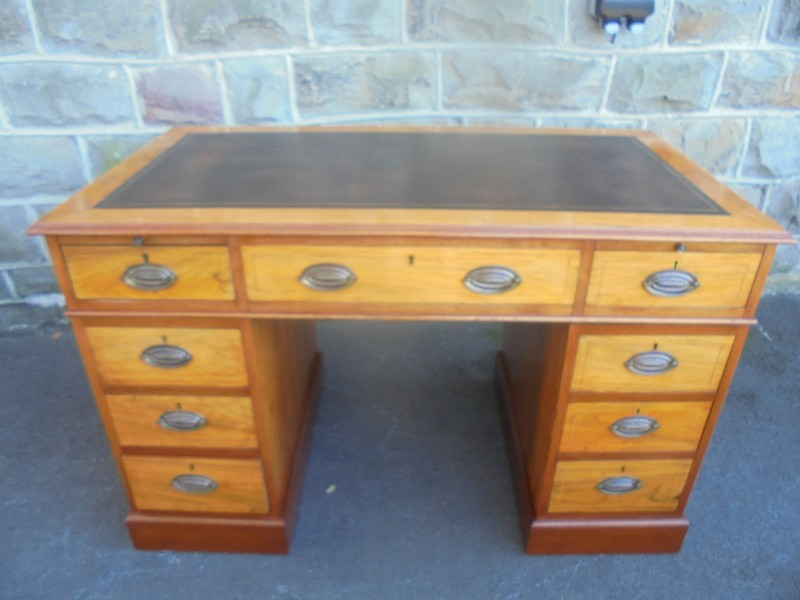 Quality Walnut Twin Pedestal Writing Desk