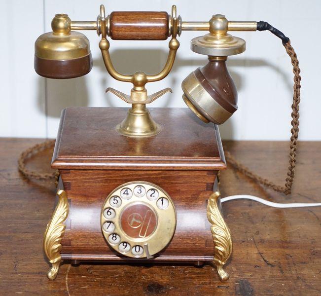 Vintage 1983 Bt Schooner Tsr8028 A Antique Style Telephone Prop Film Industry