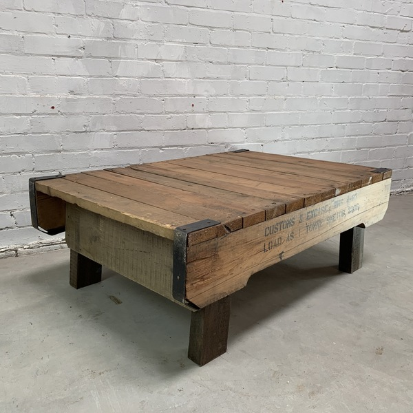 Industrial Coffee Table Made From Heavy Duty Pallet Unknown Vinterior