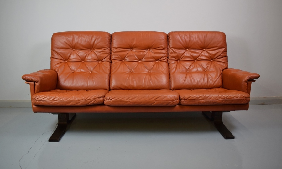 Mid Century Retro Danish Tan Leather Three Seat Sofa Settee Couch 1970s