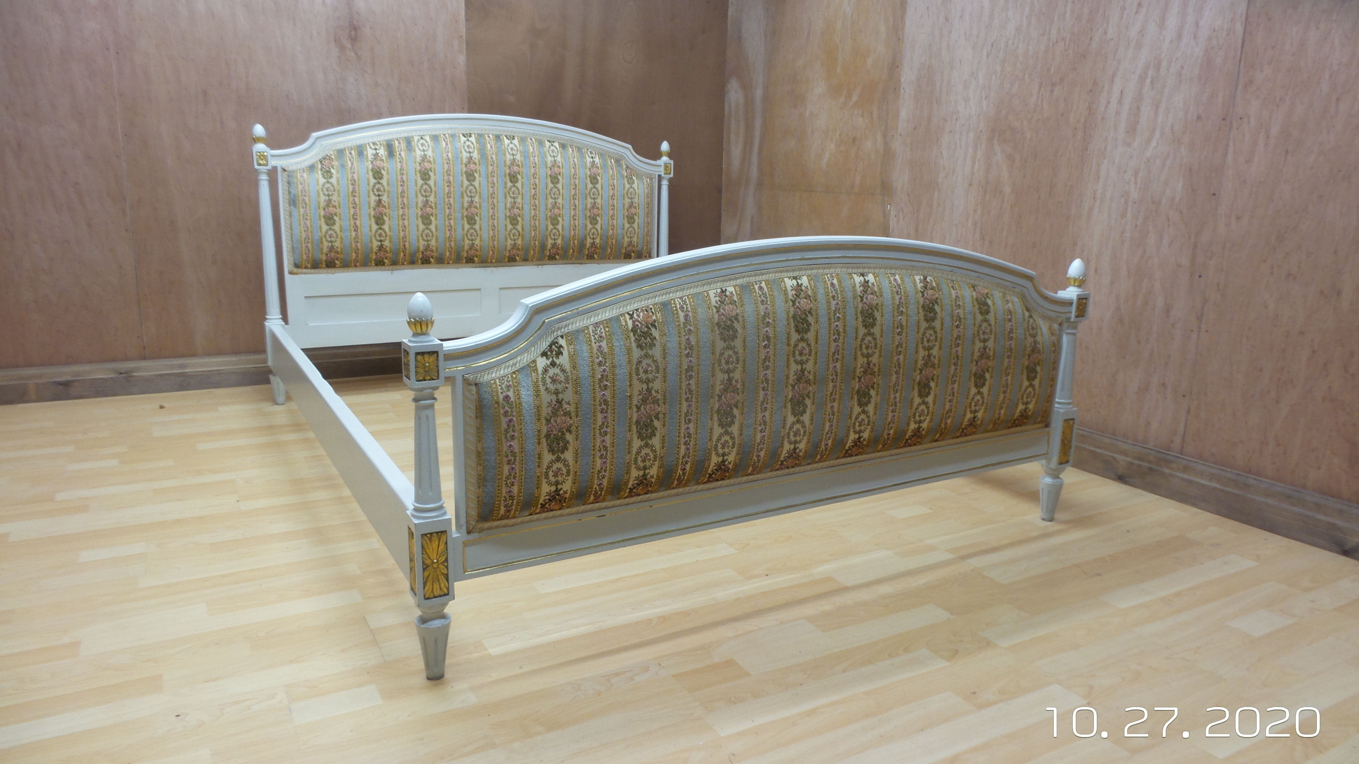 Picture of: Beautiful King Size French Shabby Chic Upholstered Chateau Bed Pale Blue Lemon Regency Stripes Unknown Vinterior