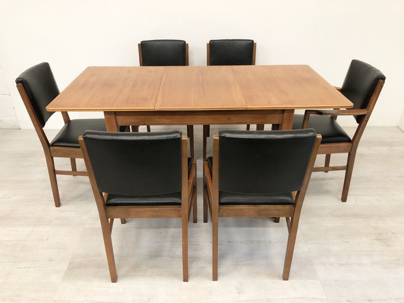 Gordon Russell For Heals Vintage 50 S Extending Oak Dining Table And
