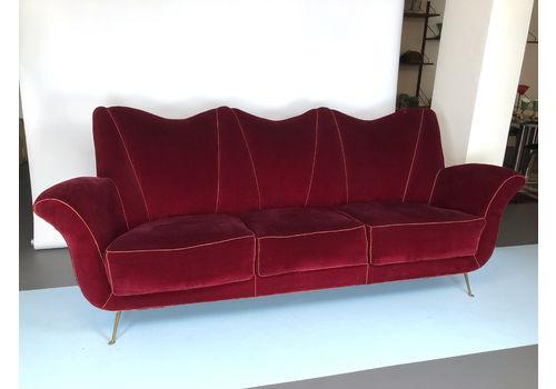 Guglielmo Ulrich Manner, Vintage Italian Red Velvet Sofa From 50s