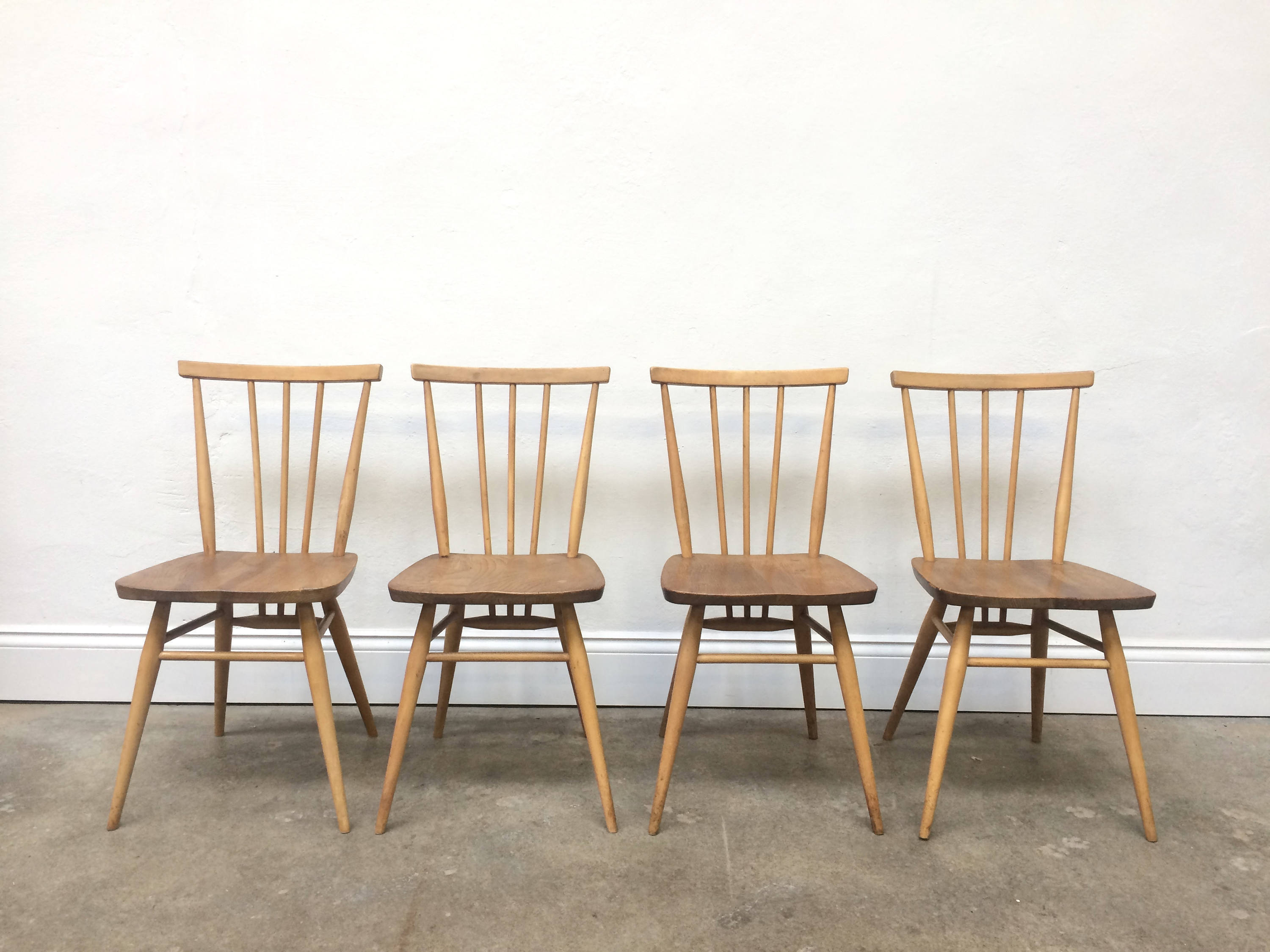 Picture of: Vintage 4 X Ercol Spindles Back Chairs Retro Danish G Plan Ercol Vinterior